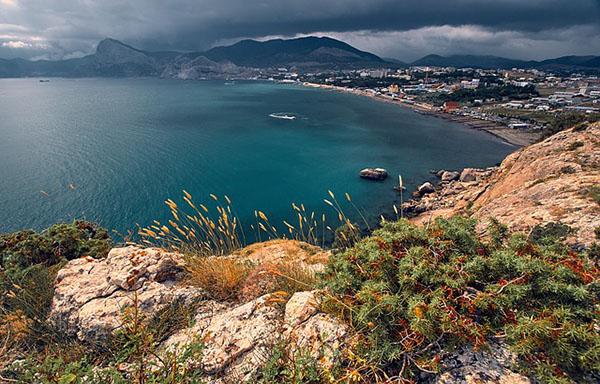 Домик у моря: стоимость жилья на побережье Крыма